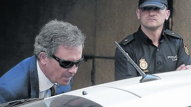 La Policía entrega otro pendrive del 'caso Pujol' al juez De la Mata
