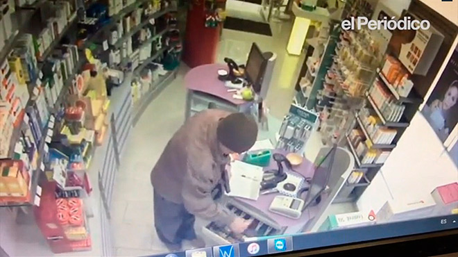 L'avi pistoler va atracar tres farmàcies en un dia. Parlen dos dels farmacèutics assaltats.