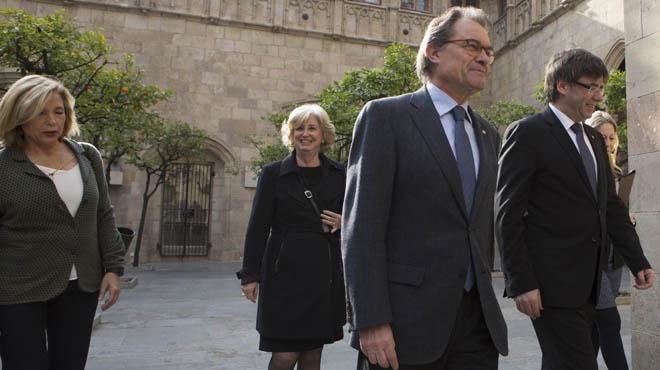 Mas, Ortega y Rigau acuden a la reunión del Gobierno catalán