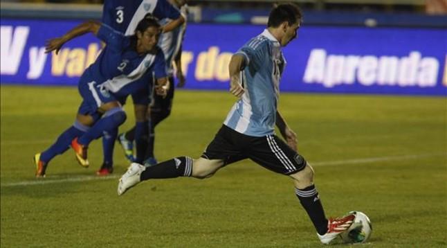Triplete de Messi con Argentina