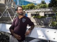 El californiano Faraz Jaka, junto al Casino de Barcelona, donde ha participado�en el European Poker Tour.