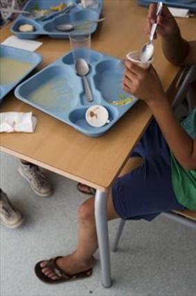 Las becas comedor olvidan a 220.000 alumnos pobres