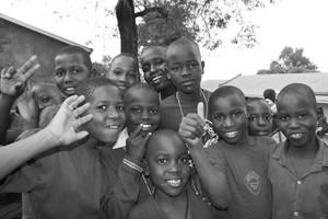 Niños en una escuela de Kampala. DANTON LLAPART