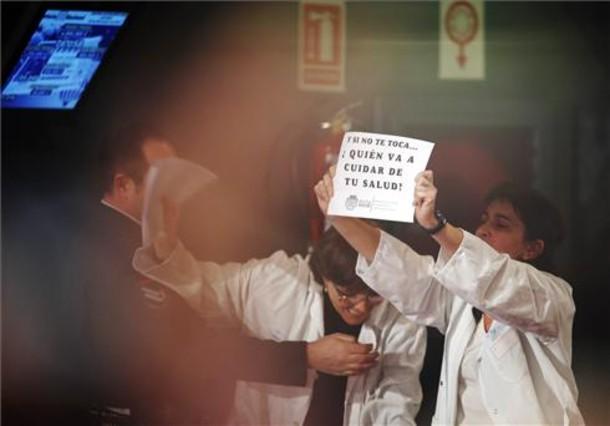 Empleados de la sanidad pública protestan en la Loteria Extraordinaria de Navidad