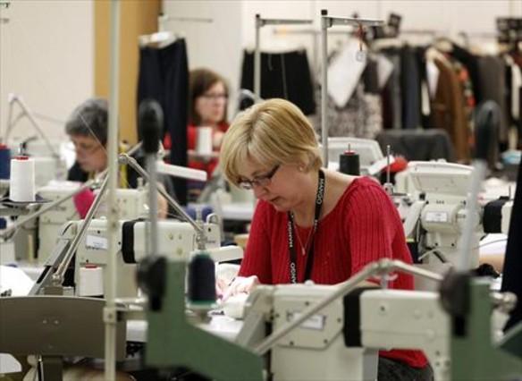 Las mujeres deben trabajar 88 d�as m�s al a�o para cobrar como los hombres asalariados