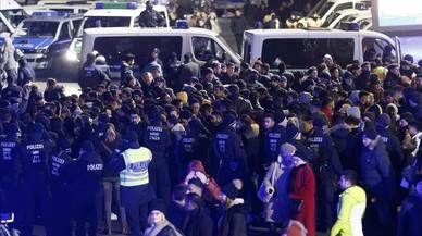 La policia de Colònia deté de manera preventiva centenars de magribins la nit de Cap d'Any