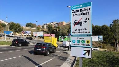 L'àrea metropolitana ja llueix els senyals de veto al trànsit per contaminació