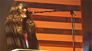 Victoria Legrand, de Beach House, durante su actuacin.