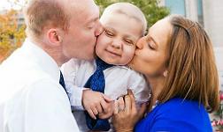 Muere el ni�o con leucemia que 'adelant�' la Navidad en EEUU