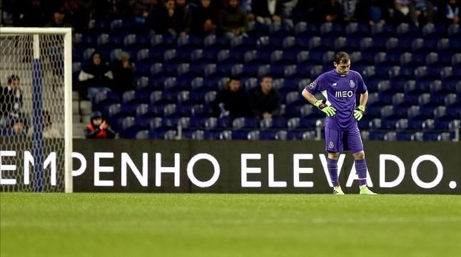 Casillas vuelve a encajar un gol por un error
