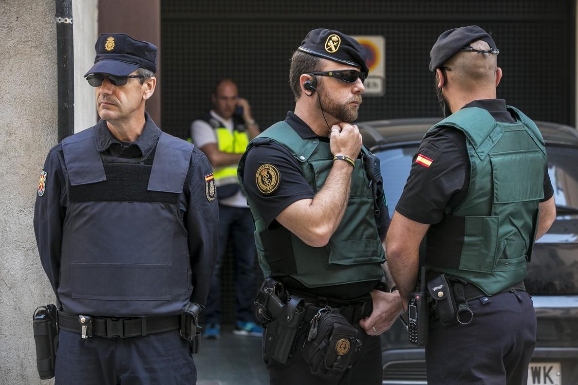 Agentes de Policía y Guardia Civil