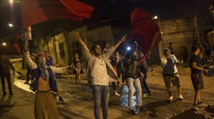 Manifestantes en Tegucigalpa denuncian fraude electoral en Honduras,