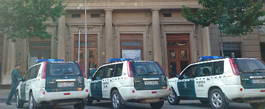 Agentes de la Guardia Civil, en la operaci�n en Reus.