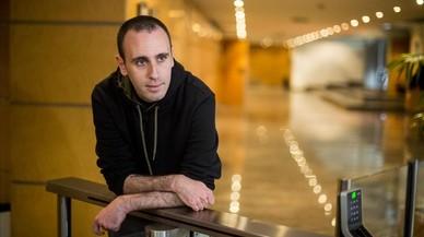El autor italiano Zerocalcare, este martes en Barcelona, donde ha presentado su última obra, 'Kobane Calling'.