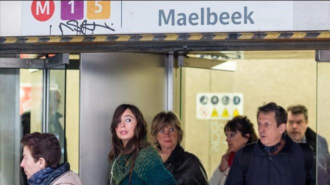 L'estació de metro de Maalbeek reobre un mes després dels atemptats