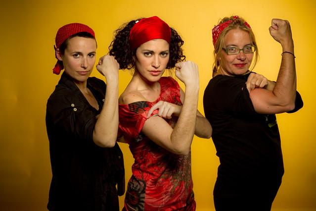 (De izquierda a derecha) Miriam Ponsa, diseñadora de moda, Elena Gadel, actriz y cantante, Zaida Muixí, arquitecta del Col·lectiu Punt 6 y profesora de urbanismo.