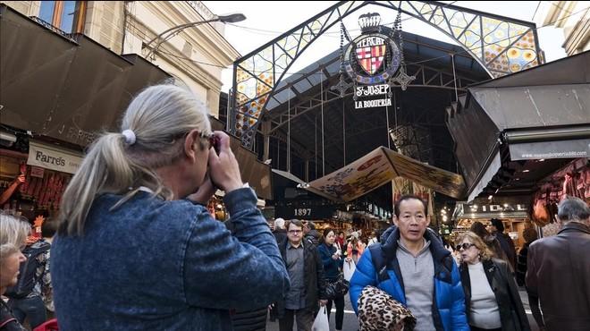 Creix la preocupació ciutadana pel turisme a Barcelona