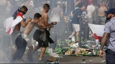 """'Hooligans' russos prometen """"un festival de violència"""" durant el Mundial de Rússia del 2018"""