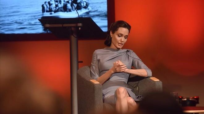 """Angelina Jolie adverteix que l'ajuda internacional als refugiats """"s'esquerda"""""""
