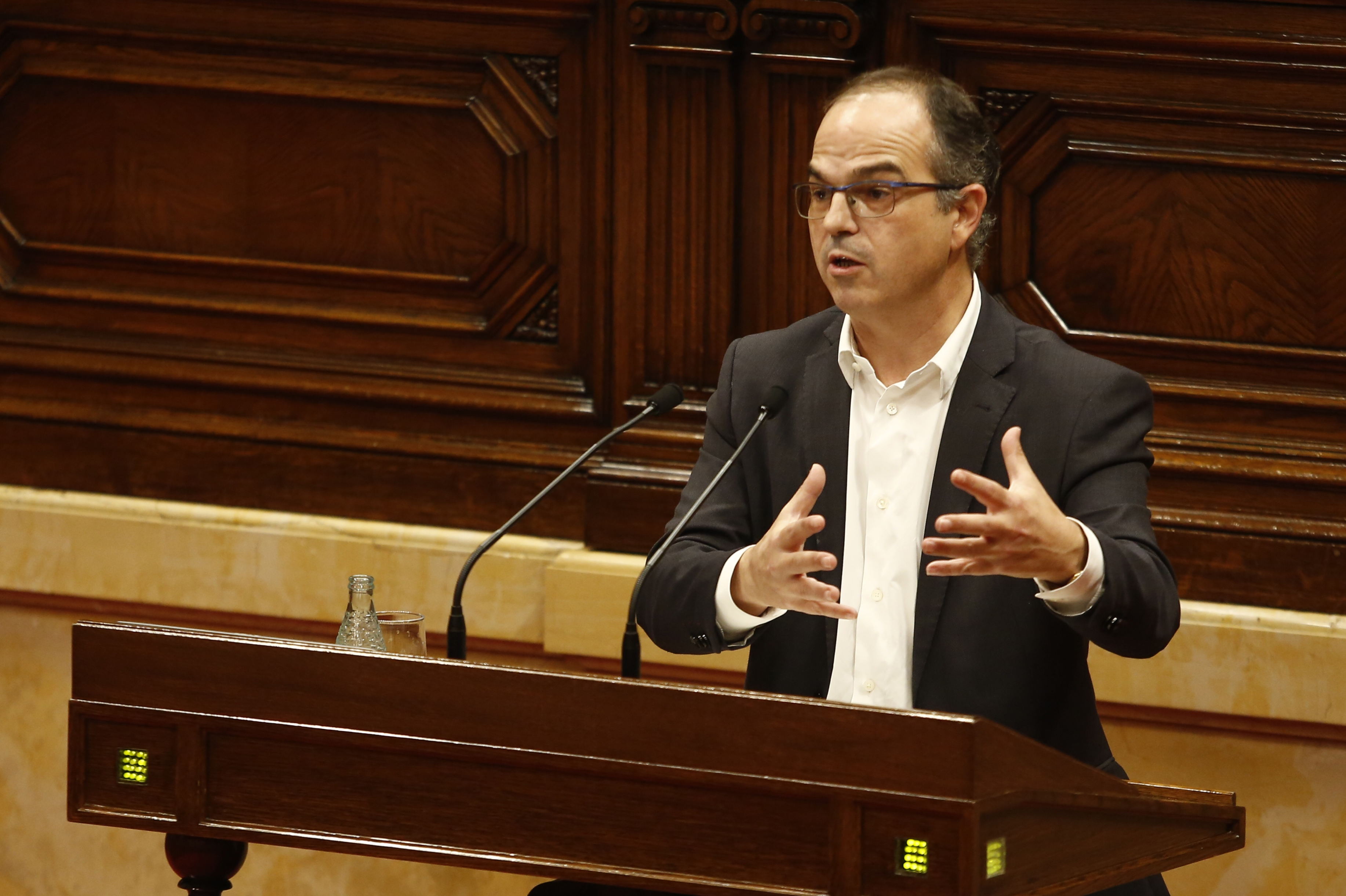 Bronca en el Parlament tras comparar Turull a la fiscalía y al TC con el 23-F