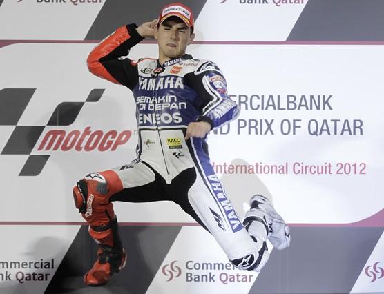 Lorenzo completa el triplete espa�ol con MotoGP