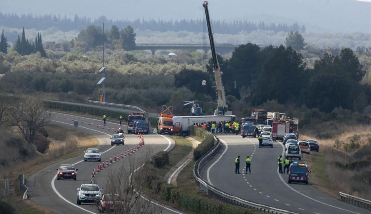 El conductor del autocar del accidente de Tarragona, ingresado en la uci