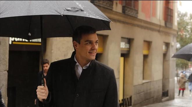 El l�der del PSOE, Pedro S�nchez, este jueves antes de su reuni�n con expertos contra la violencia de g�nero.