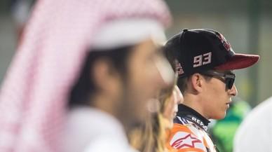 Marc Márquez (Honda), esperando, en la parrilla de Catar, la decisión de Dirección de Carrera.