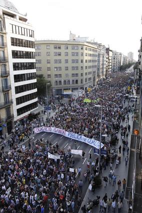 �xito del 15-O con decenas de miles de manifestantes en Barcelona