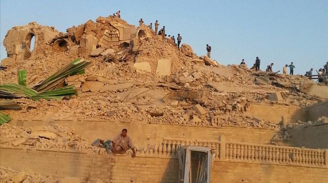 El Estado Islámico destruye la tumba del profeta Jonás en Mosul