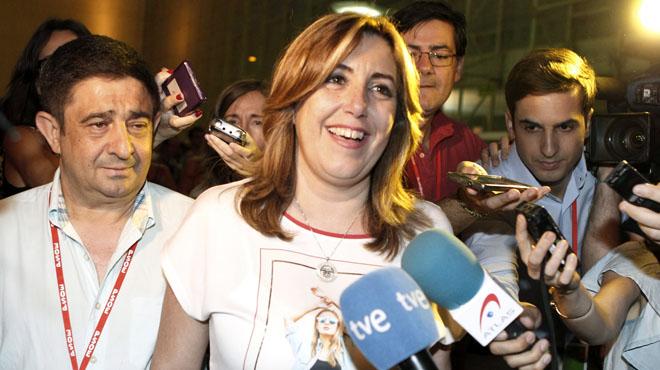 Susana Díaz, lla noche del sábado en un encuentro informal con sus compañeros de la federación andaluza del PSOE.