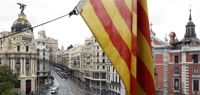 La senyera oneja en la delegació de la Generalitat a Madrid.