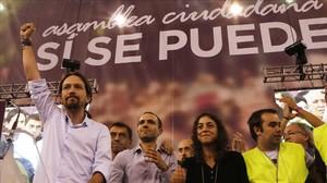 Pablo Iglesias, con el puño en alto, en la asamblea ciudadana de Podemos el pasado 19 de octubre en Madrid.