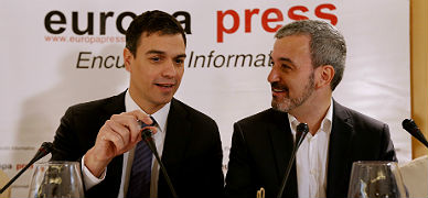 Jaume Collboni y Pedro S�nchez, en un desayuno informativo en Madrid.