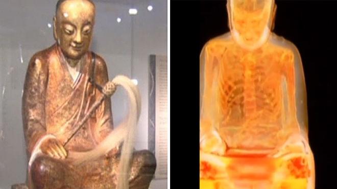 Descubren la momia de un monje dentro de una estatua de Buda.