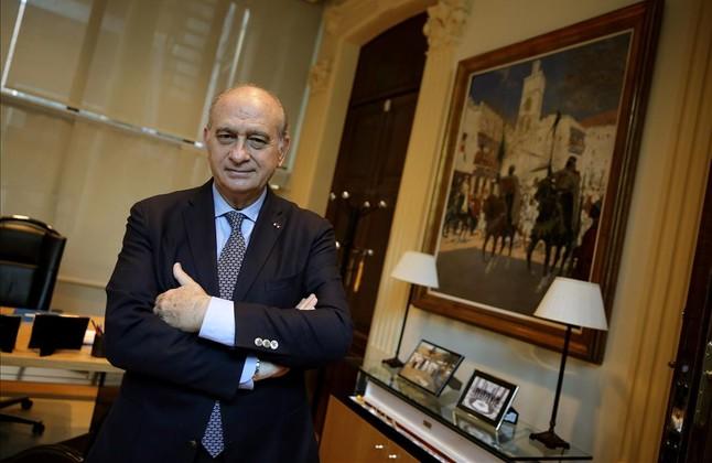 Jorge fern ndez d az espero que par s marque un antes y for Sueldos del ministerio del interior