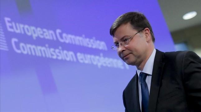 Valdis Dombrovskis, en una rueda de prensa en la sede de la Comisión Europea, el 27 de enero.