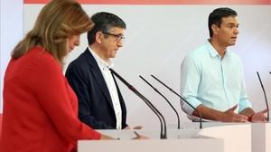 Díaz, López y Sánchez, durante el debate electoral de las primarias del PSOE.