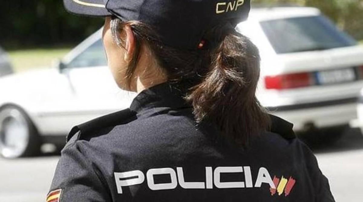 Resultado de imagen de chica policia