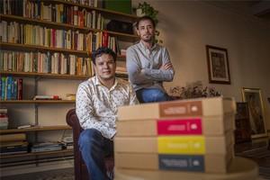 Nam Neuyen (izquierda) y Tomás Casals, de Bookish.