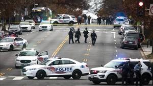 zentauroepp36517060 jl01 washington united states 04 12 2016 police shut d171108175510