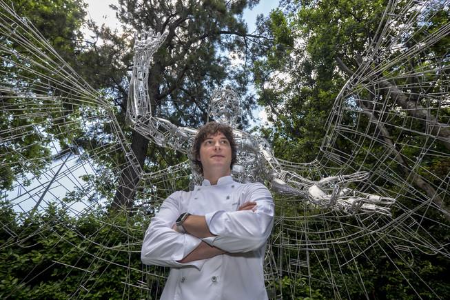El restaurante Àbac, de Jordi Cruz, gana la tercera estrella Michelin