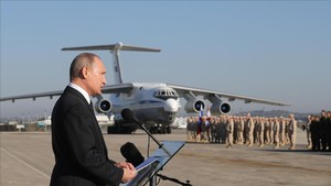 undefined41282181 russian president vladimir putin addresses the troops at the171216183853