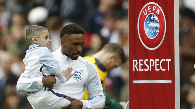 Defoe y el pequeño Bradley salen al césped del Inglaterra-Lituania este domingo