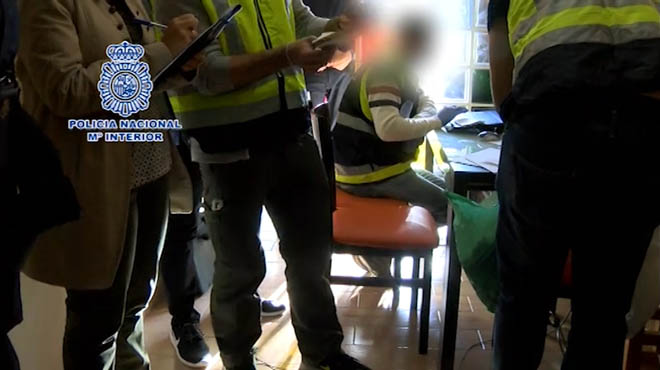 12 detenidos por una estafa con anuncios de alquiler en for Portales inmobiliarios barcelona
