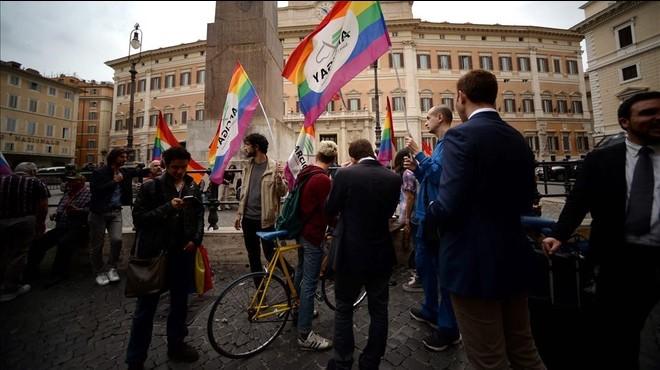 Italia aprueba una ley de matrimonios homosexuales que veta la adopci�n