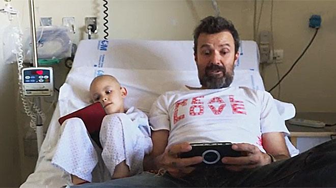 Pau Donés s'uneix a Juegaterapia