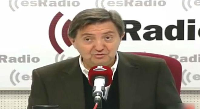 """Federico Jim�nez Losantos llama """"banda"""" y """"mamarrachoa"""" al partido que lidera Pablo Iglesias."""