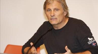 Viggo Mortensen, Ahmed Galai i Rigoberta Menchú firmen a favor del referèndum