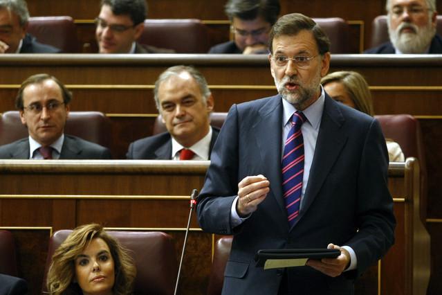 Rajoy utiliza un iPad para responder a Zapatero